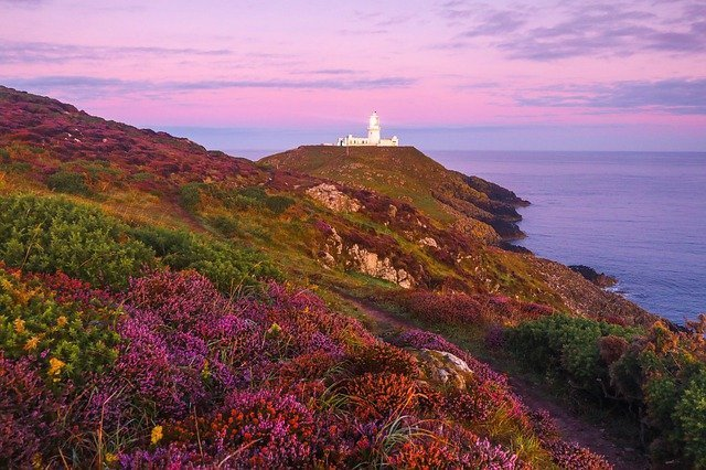 Budget Bed and Breakfast at The Old School Hostel, St Davids, Pembrokeshire